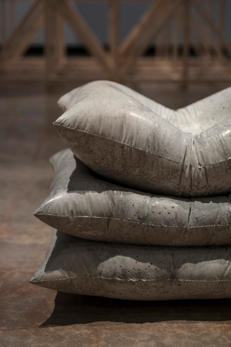 Cast concrete pillows detail